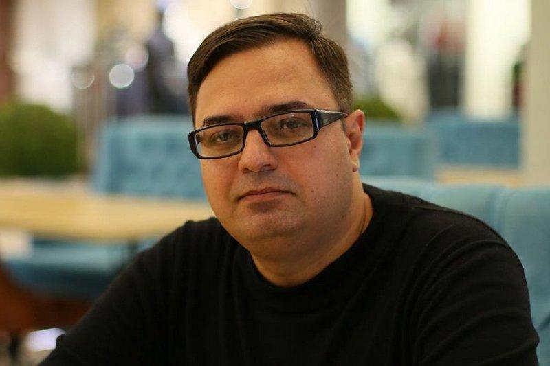 Общественник призвал не дать Резнику уйти от ответственности, размахивая депутатской корочкой